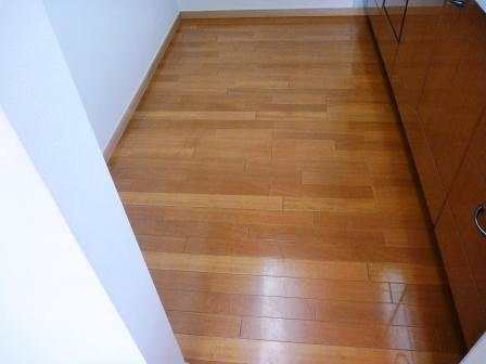 床・フローリングワックス前の写真