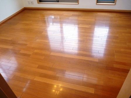 床・フローリング洗浄前の写真