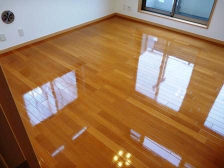 床・フローリング洗浄後の写真