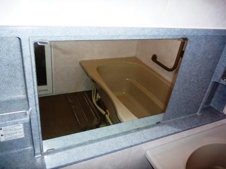 大田区、お風呂の鏡のそうじ写真