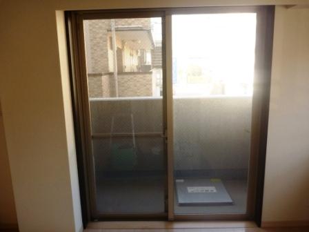 品川区、窓ガラスクリーニング前の写真
