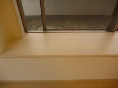 出窓、棚、カウンター清掃後の画像