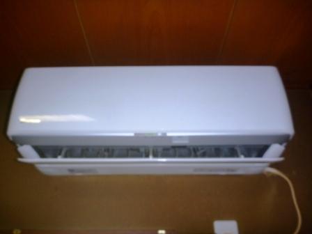 東京都世田谷区、エコ洗剤ダイキンお掃除機能付きエアコンクリーニング前