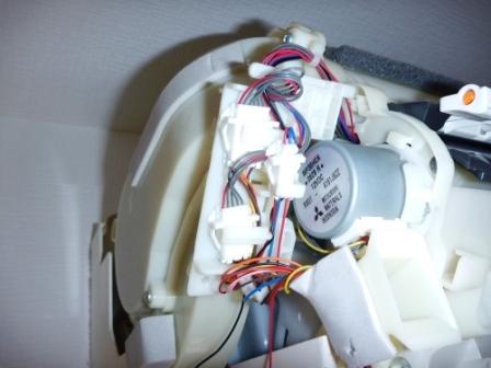シャープエアコン電装部左側の写真