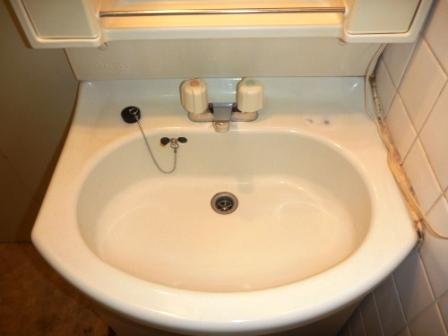 洗面台クリーニング後の写真