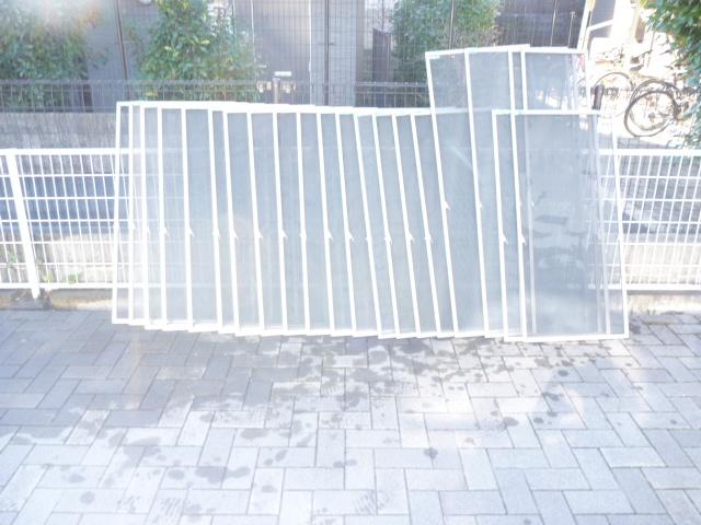 世田谷区、網戸清掃後の写真