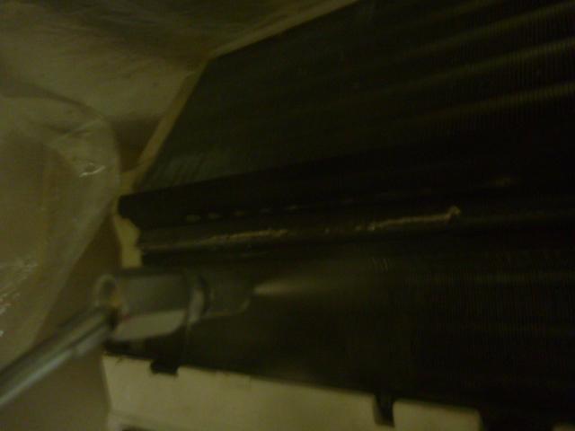 大田区、エコ洗剤エアコンクリーニング洗浄中の写真