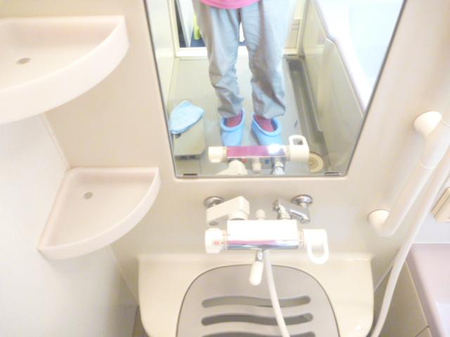 大田区、浴室鏡のウロコ落とし後の写真