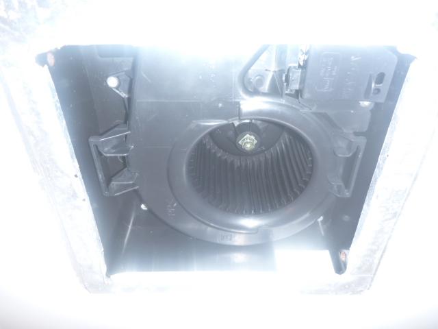 大田区、洗面所換気扇分解クリーニング後の写真