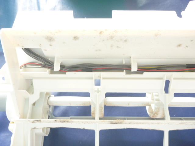東京都大田区南六郷、自動フィルターお掃除機能付きエアコンお掃除ユニットの写真