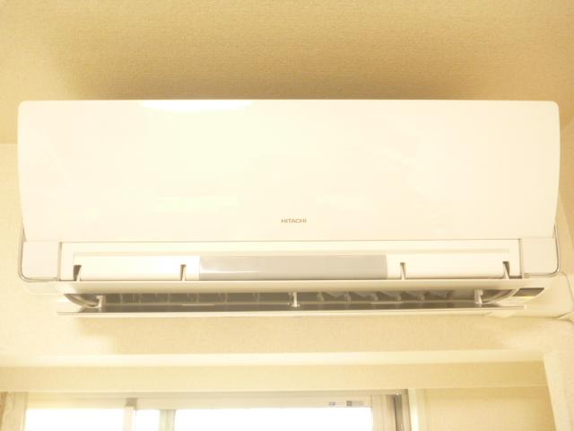 神奈川県川崎市川崎区、エコ洗剤日立お掃除機能付きエアコンクリーニング前