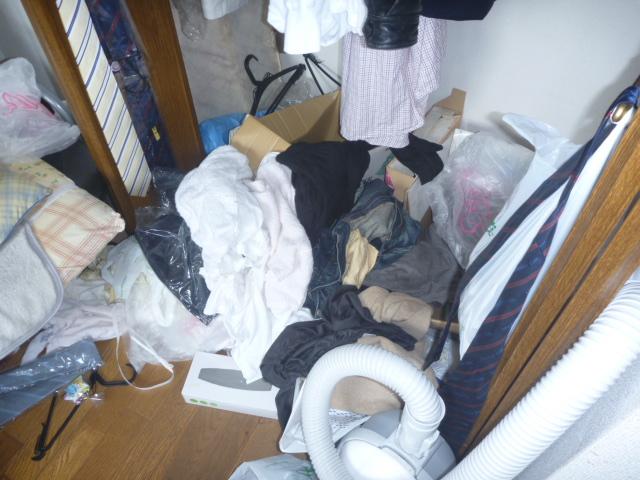 東京都大田区、部屋の片付け・部屋の全体清掃前