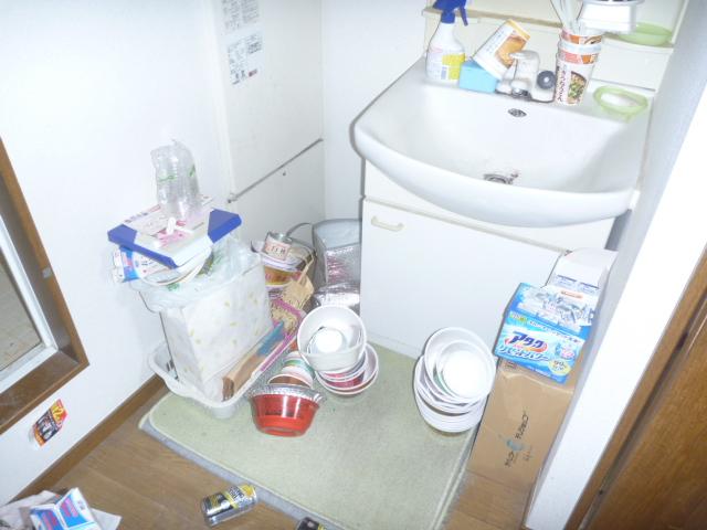 東京都大田区、部屋の片付け・部屋の全体清掃・大掃除前