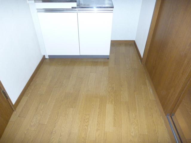 東京都大田区、部屋の片付け・部屋の全体清掃・不用品回収前