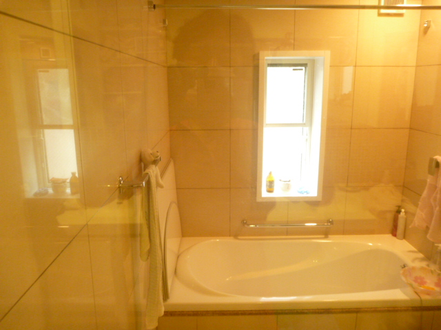 東京都目黒区、浴室クリーニング後
