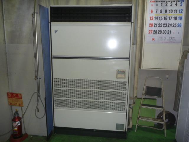 神奈川県川崎市川崎区、業務用床置きエアコンクリーニングの画像